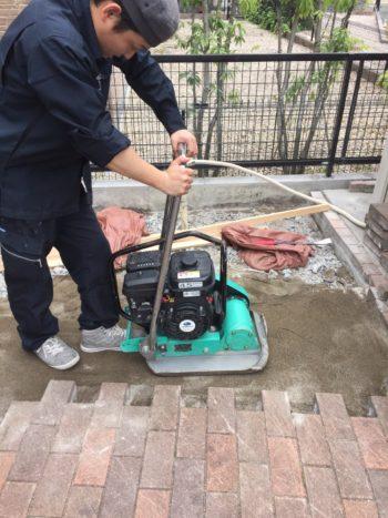 ガス庫用の土間作成
